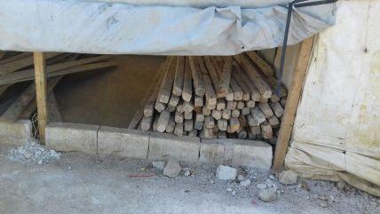 Kanthölzer für den Bau von Zelten