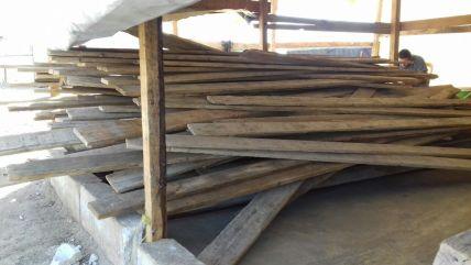 Latten für den Bau von Zelten