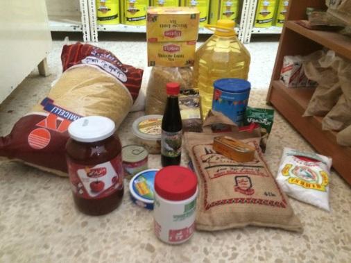 Lebensmittelpakete für die Familien