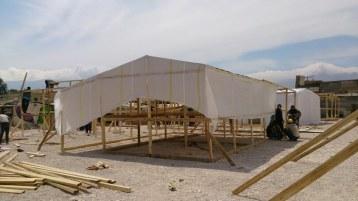 Aufbau neuer Zelte